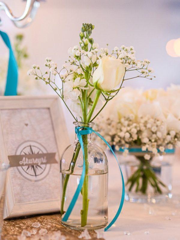 Bootshaus-Restaurant-Herne-Hochzeit-Vasen